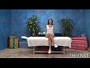Смотреть видео где связанных девушек скотчем на кровати
