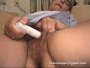 Смотреть порно с волосатой пиздой со спермой в нутри