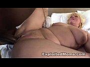 Смотреть порно видео с сиськатой блондинкой