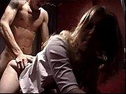 Русское порно мамка соблозняет друга своего сына