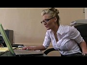 Смотреть онлайн порно видео госпожа заставила раба лизать