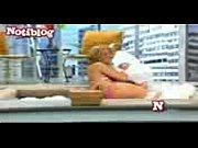 Две транс блондинки сосут свои огромные хуи