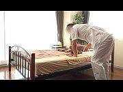 【人妻動画】敏腕揉み師がローションでテカテカの痴女をイカせちゃう!