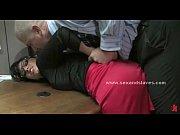 Сладко вылизать киску во время массажа видео