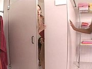 Порно класное в общественом туалете