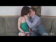 Муж снимает как жену трахает друг домашнее