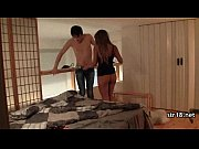 Видео где женщину раздевает мужчина
