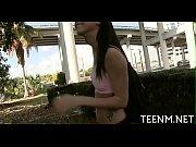 порно видео две девки заставили лизать и трахнули мужика
