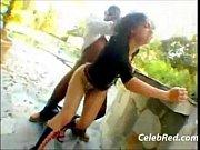 Порно раздевается перед камерой