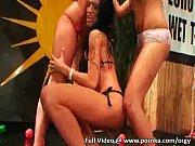 лесби юная и зрелая видео