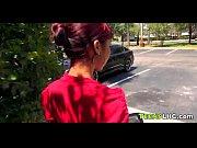 Рыжую девушку ебут частное видео