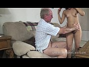 Отец трахает свою дочь смотреть онлайн видио