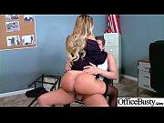 Маструбация женщин с большой грудью блондинки