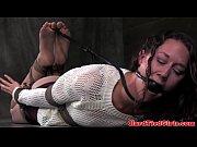 Чувак дрочит и снимает секс видео