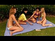 Порно групповуха жесть много парней и одна девка