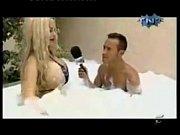 Порно зделал куни жене и ее подруге русское