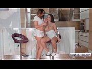 Порно видео жена изменяет мужу с его друзья