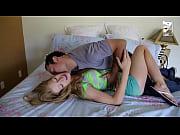 Видео где девки трахают ребят