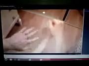 Видео парень раздевает девушку