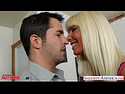 Секс в анал со зрелой женщиной