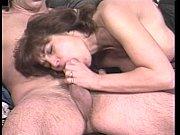 Порнуха видео девушкий друга друга целуется