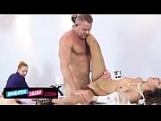 Секс инцест отец показывает дочке как нужно видео