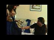 Мастурбирующие в коротких юбках видео