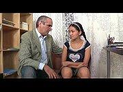 Русскую пьяную девушку ебут как хотят