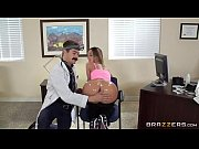 Смотреть онлайн подборки порно роликов с большим клиторором