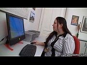 Опытная женщина обучает сексу девственника видео русские