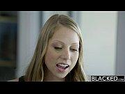 Красивая лысая девушка занимается сексом видео