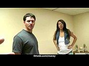 Парни трахают жену друга а он смотрит видео