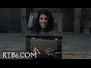 Видео секс карлик трахнет девушка