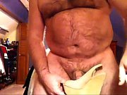 Секс с молодой брюнеткой порновидео