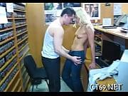 Смотреть порно сын трахает мать и сестру в анал