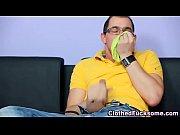 Девушки в постели делают это с парнями видео