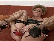 Порно онлайн с блондинками с маленькой грудью