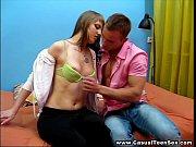 Сексразминка с девушкой в спортзале