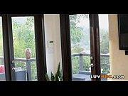 Видео для взрослых очкарик трахает взрослую даму