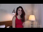 Как целовать женщине груди видео