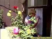 Женщина кончает с брызгами белай жидкости видео