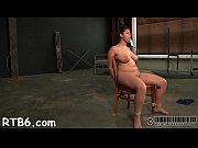 Секс видео девки заставили парня лизать и дрочить
