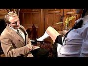 Видео женщина поборола мужчину