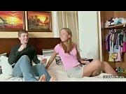 Порно лесбиянки с двойным фаллоимитатор-насадка