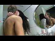 Отсасывает мужику и пальцем в жопу видео