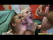 Порно парень порет мать и дочь