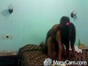 Лезбиянка лезет к девушке в трусы в автобусе видео