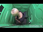 Порно видео девушка облизывает соски девушке