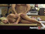 Мать с подругой трахают сына порно