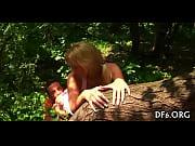 Видео девушки с длинными волосами со спины